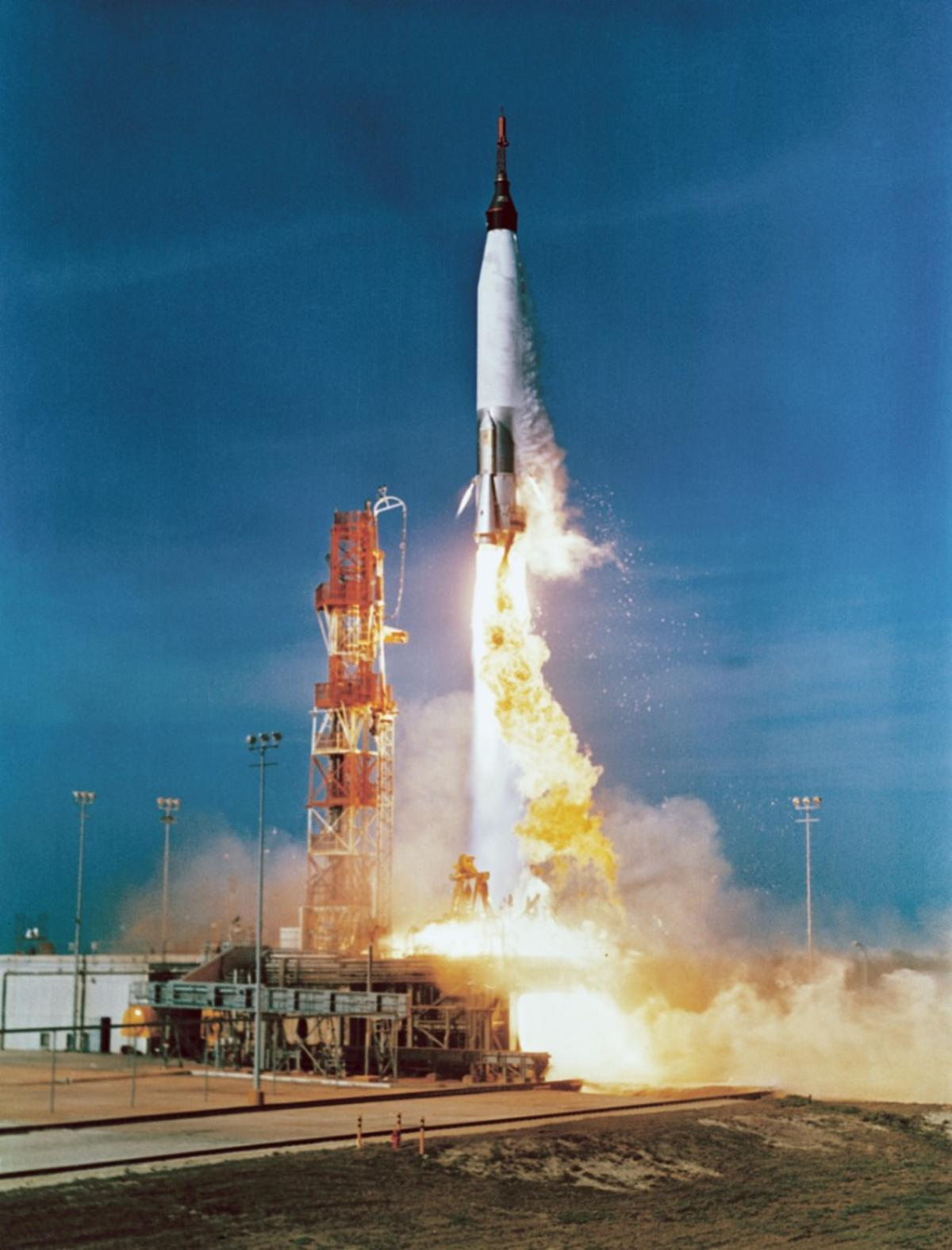 Unlike this Atlas rocket launching the Mercury-Atlas 2 mission in 1961, the RDE can act both as a rocket and an air-breathing jet