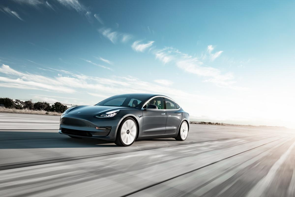 5,315 Tesla Model 3swere registered inNorway inMarch