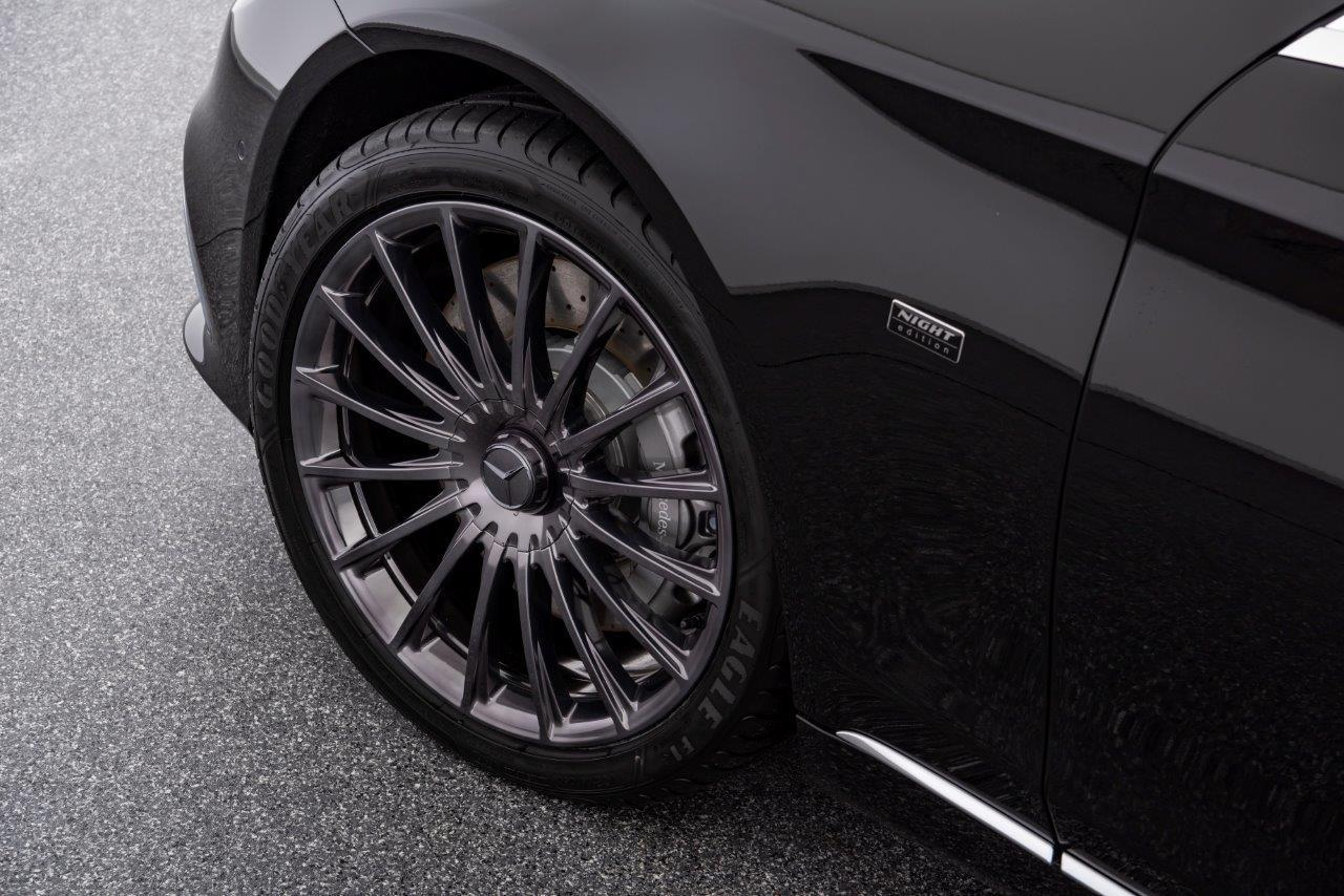 "Shadow ""smoked"" 20-inch Maybach forged wheels"