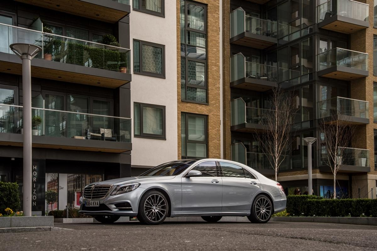 Gizmag takes three Mercedes AMG cars for a spin, including the S500 Plug-in Hybrid AMG Line L shown here
