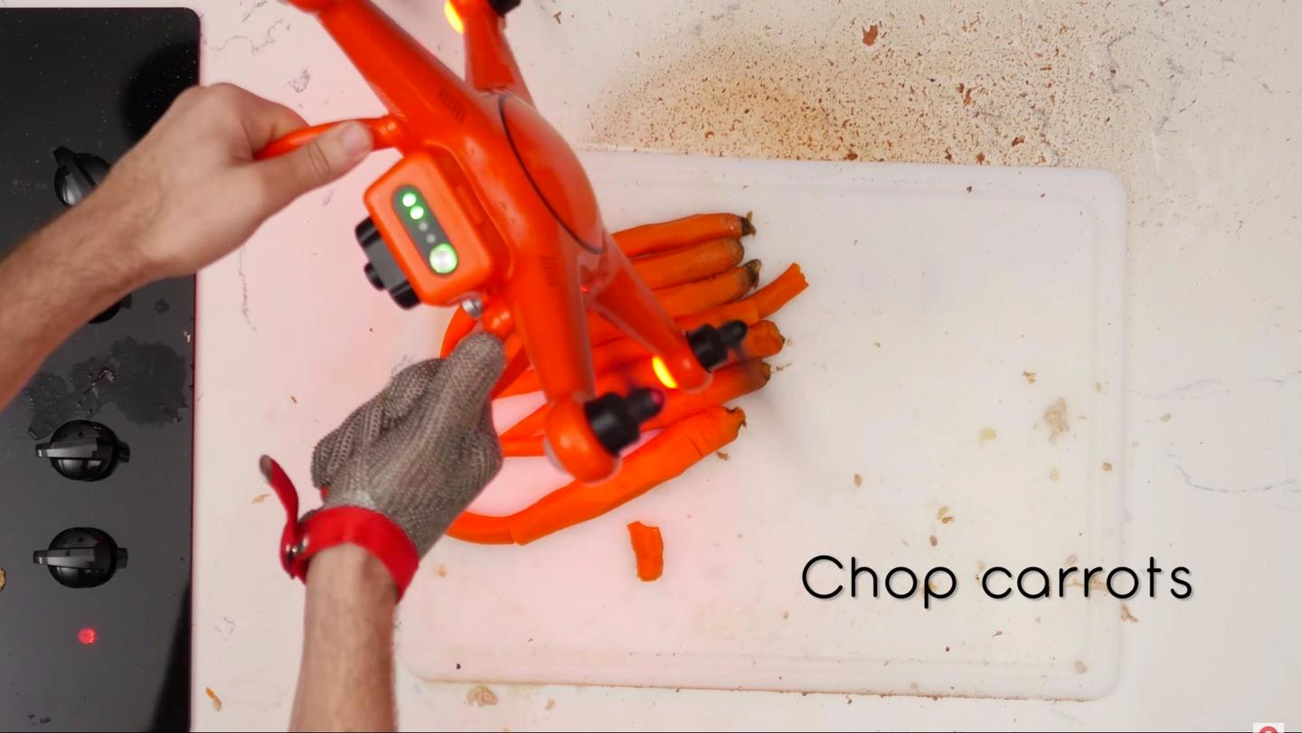 The high propeller tip speed ofAutel's X-Star Premiummeans excellent carrot chopping