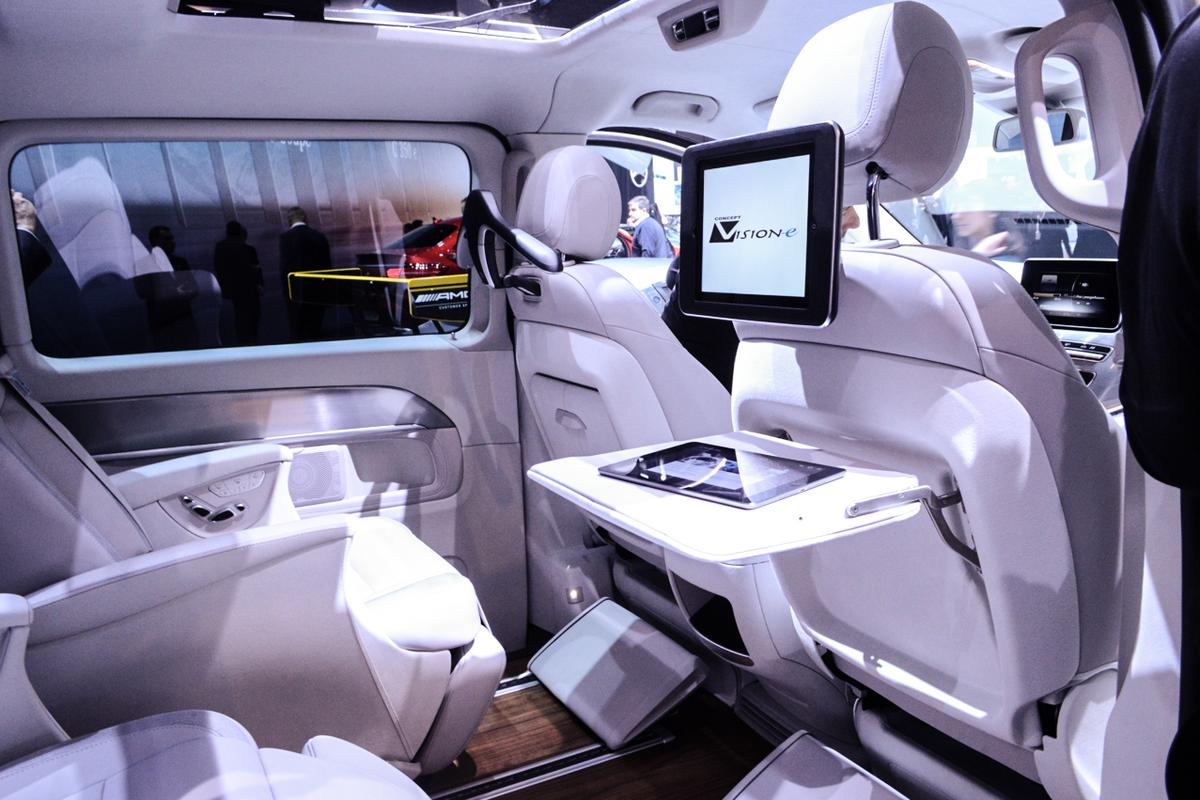 The rear interior can work as a mobile office (Photo: C.C. Weiss/Gizmag.com)