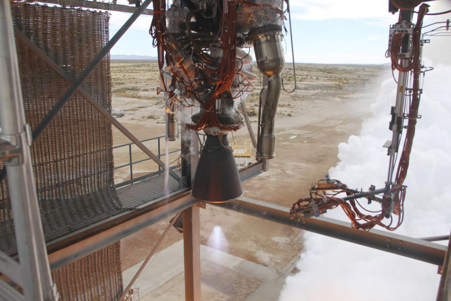 Test firing of the BE-3 hydrogen/oxygen rocket engine that took place on Nov. 20, 2013 (Photo: Blue Origin)