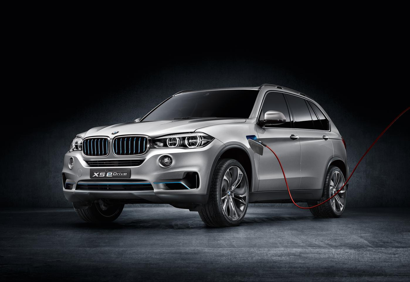 The BMW Concept X5 eDrive has a plug-in hybrid powertrain