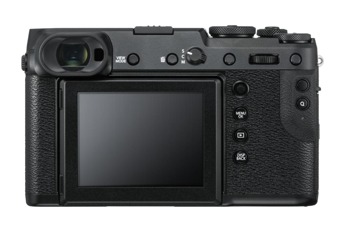 Fujifilm says that the placement of the EVF on the GFX 50Rallows the photographer to look through the viewfinder using their right eye while using their left eye to get a better feel for the shot about to be taken