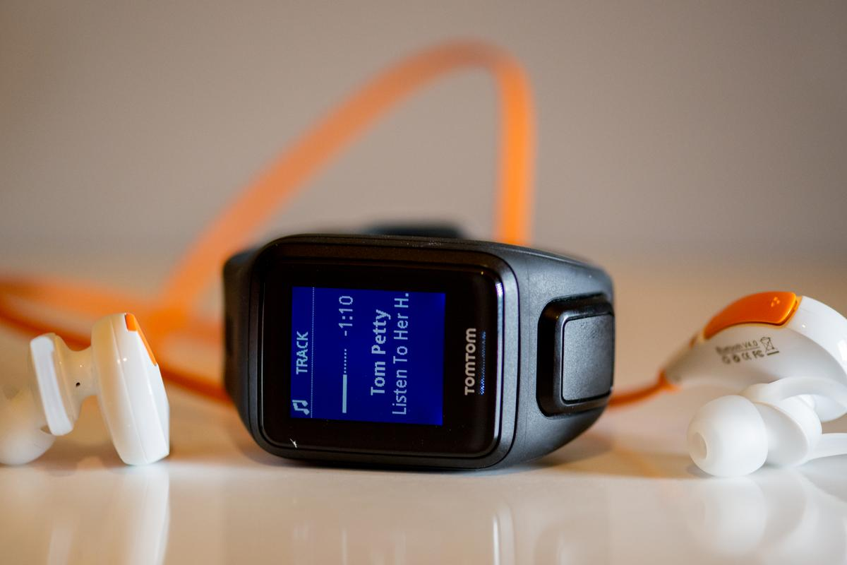 Gizmag reviews the TomTom Spark (Cardio + Music) fitness tracker