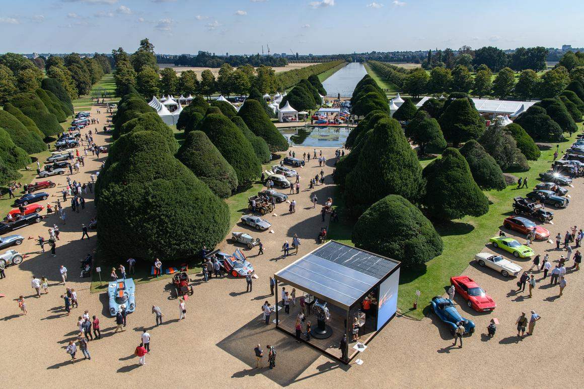 There were so many cars vying for the Pullman Trophy awarded to 'Best in Show' this year, that to even be invited to attend was a triumph. The field was assembleddown the three tree-lined promenades in the palace grounds.