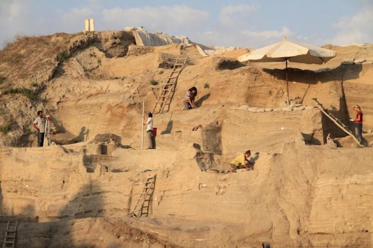 The Aşıklı Höyük site in Turkey, where researchers have studied urine salts to estimate human and animal populations over time