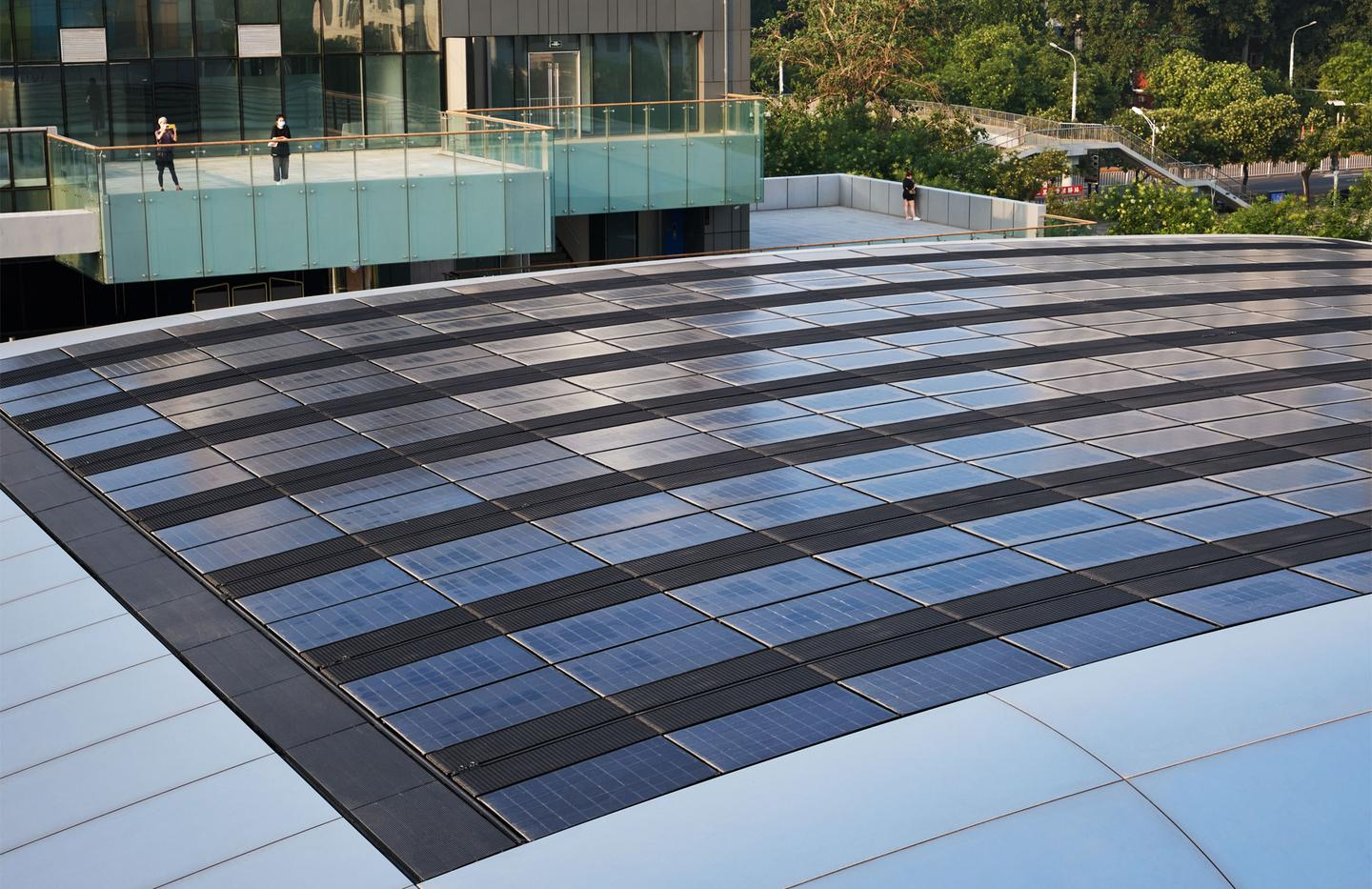 Apple Sanlitun's roof has 390 sq m (roughly 4,200 sq ft) of solar panels, reducing the store's grid-based electricity consumption