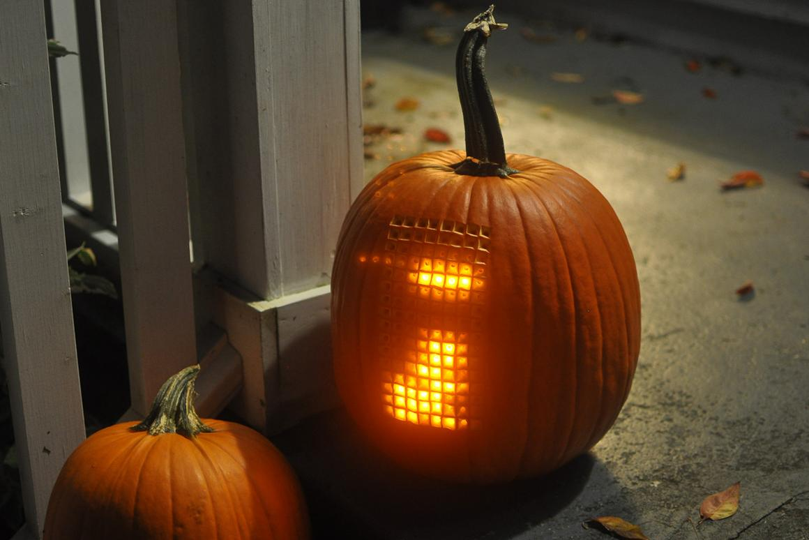 Just in time for Halloween, an actual pumpkin was outfitted with LED lights to create a playable Tetris game, with the stem converted into a joystick
