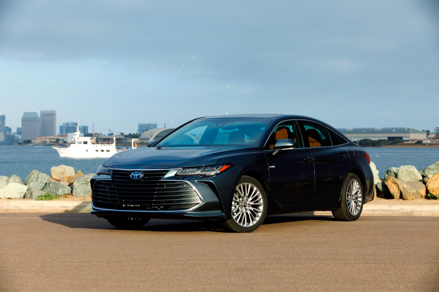 The Toyota nameplate is synonymous with reliability to many ofthe buying public and the Avalon is one of the most recognizable Toyotas thanks to it being the flagship of the automaker'ssedan lineup