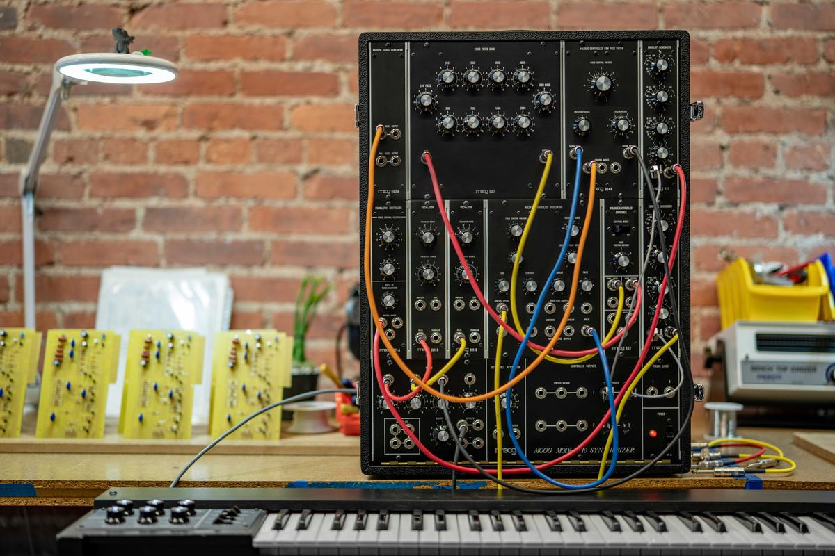 Almost 50 years after the original Moog 10 compact modular synthesizer went into production, Moog is making some more to the exact specifications of the original