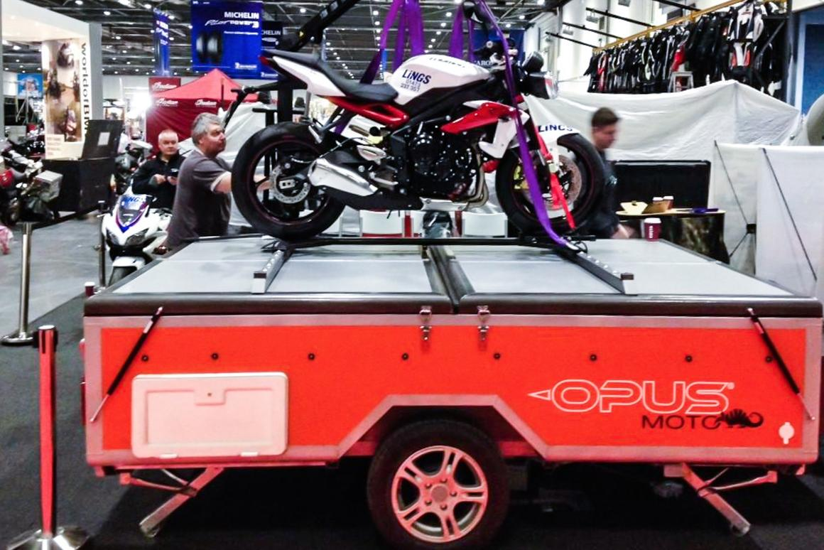 The Opus Moto camper can hold up to 500 kg on its lid