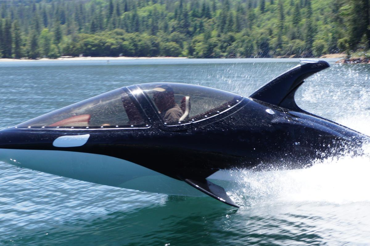 Innespace has introduced its new sea creature-inspired personal watercraft, the orca-like Seabreacher Y