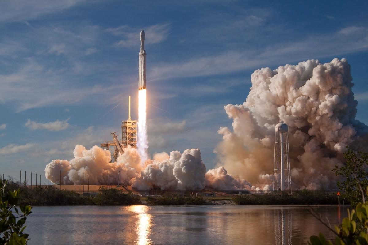 Falcon Heavy lifting off