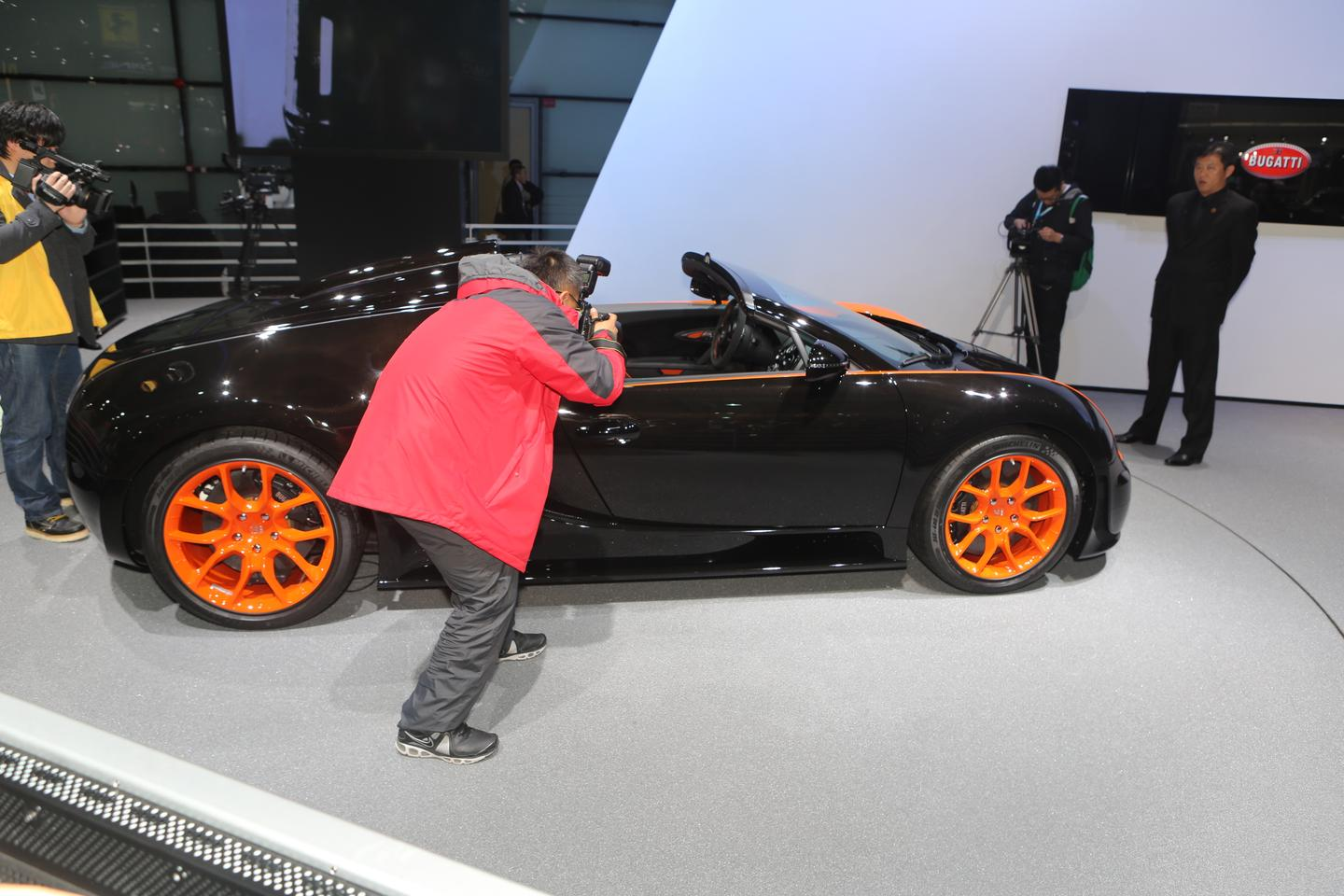 The Bugatti Veyron Grand Sport Vitesse World Record Car edition debuts in Shanghai