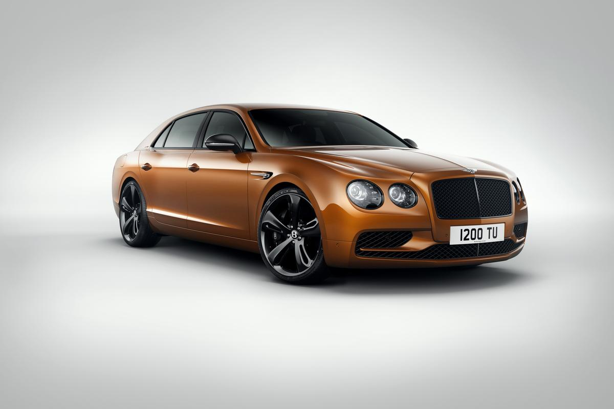 Darker trim pieces make the FlyingSpur W12 Slook more sinister than before