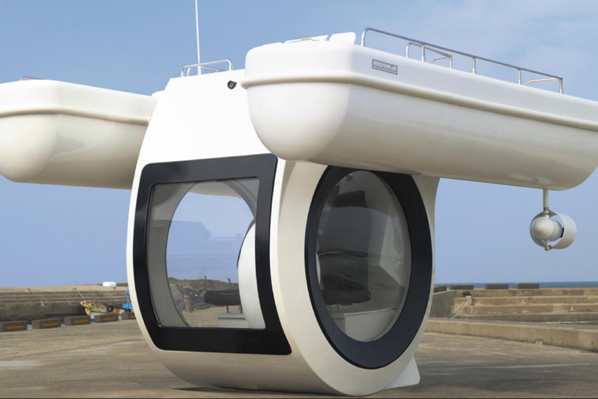 The EGO semi-submarine boat
