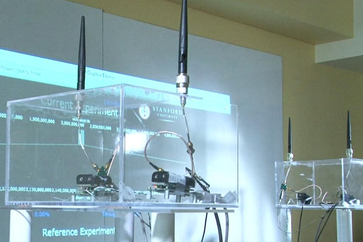 The full duplex radio with two transmitting antennas that cancel each other out at the receiving antenna