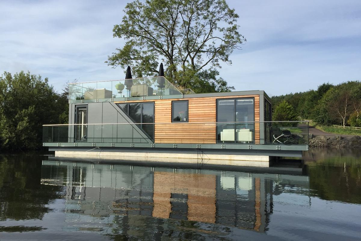 The houseboat's amenities can be controlled via an iOS or Android mobile app