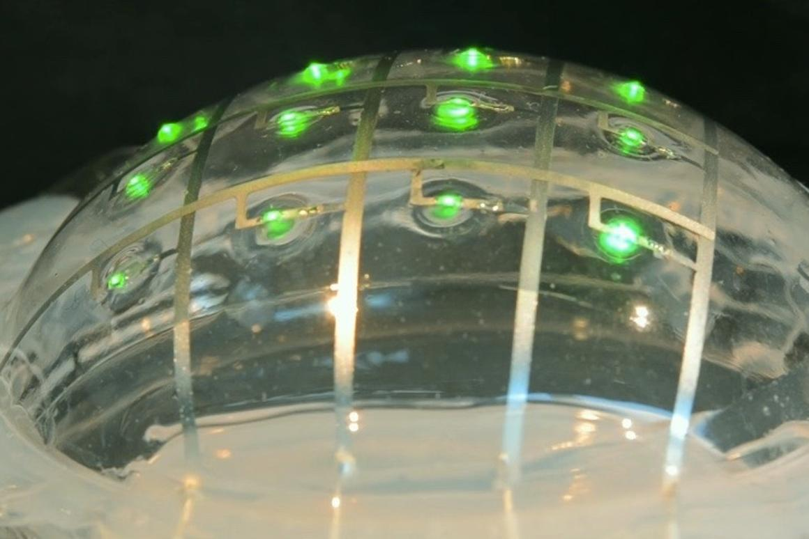 The flexible circuitry in action