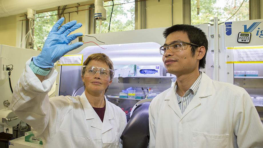 Kylie Catchpole and The Duong, ANU researchers on the study