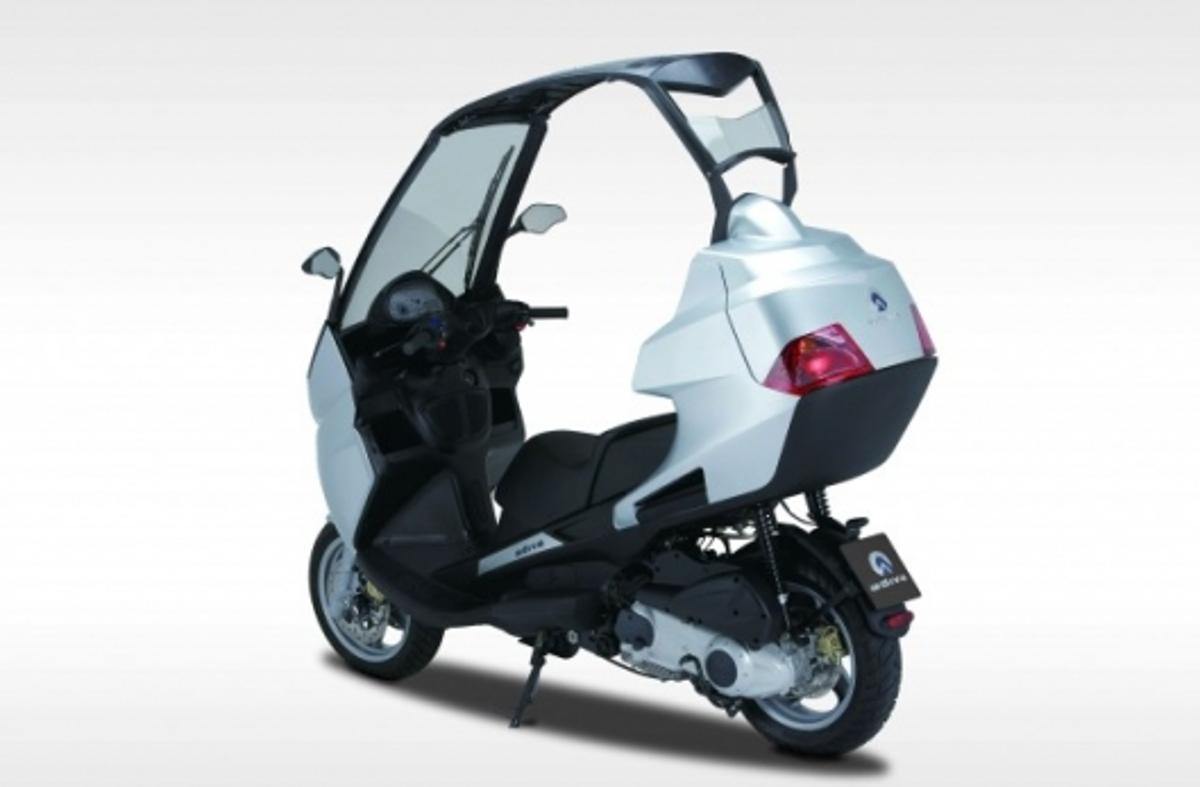 Adiva 250 convertible scooter
