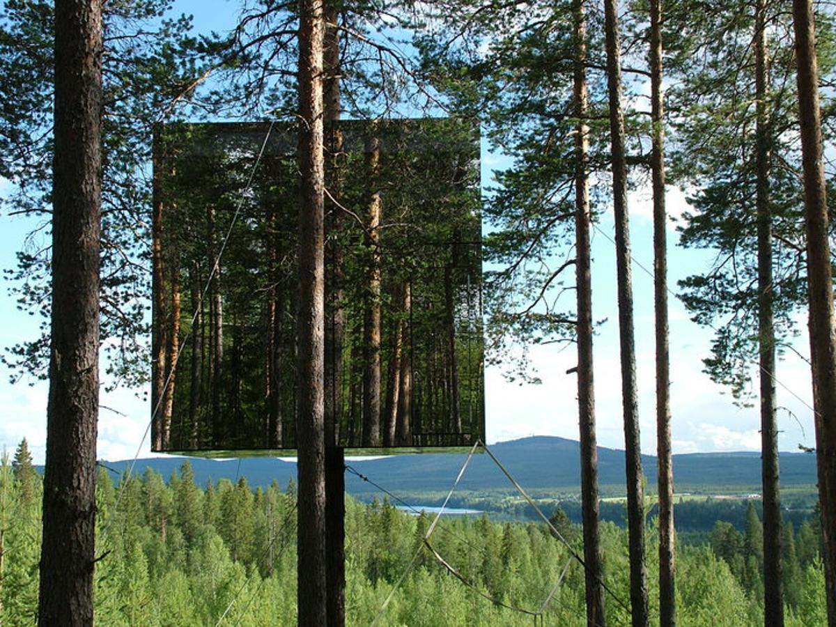 The Treehotel's captivating Mirrorcube room