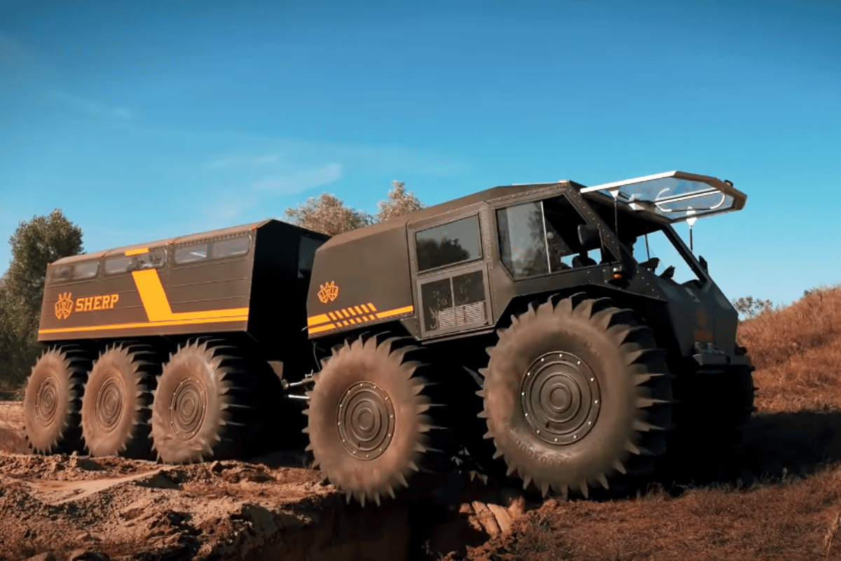 The new Sherp Ark can roll over trenches up to 6.6 feet (2 m) wide