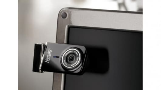 The Hercules Dualpix HD720p webcam rotates on two axes to adjust for the ideal angle