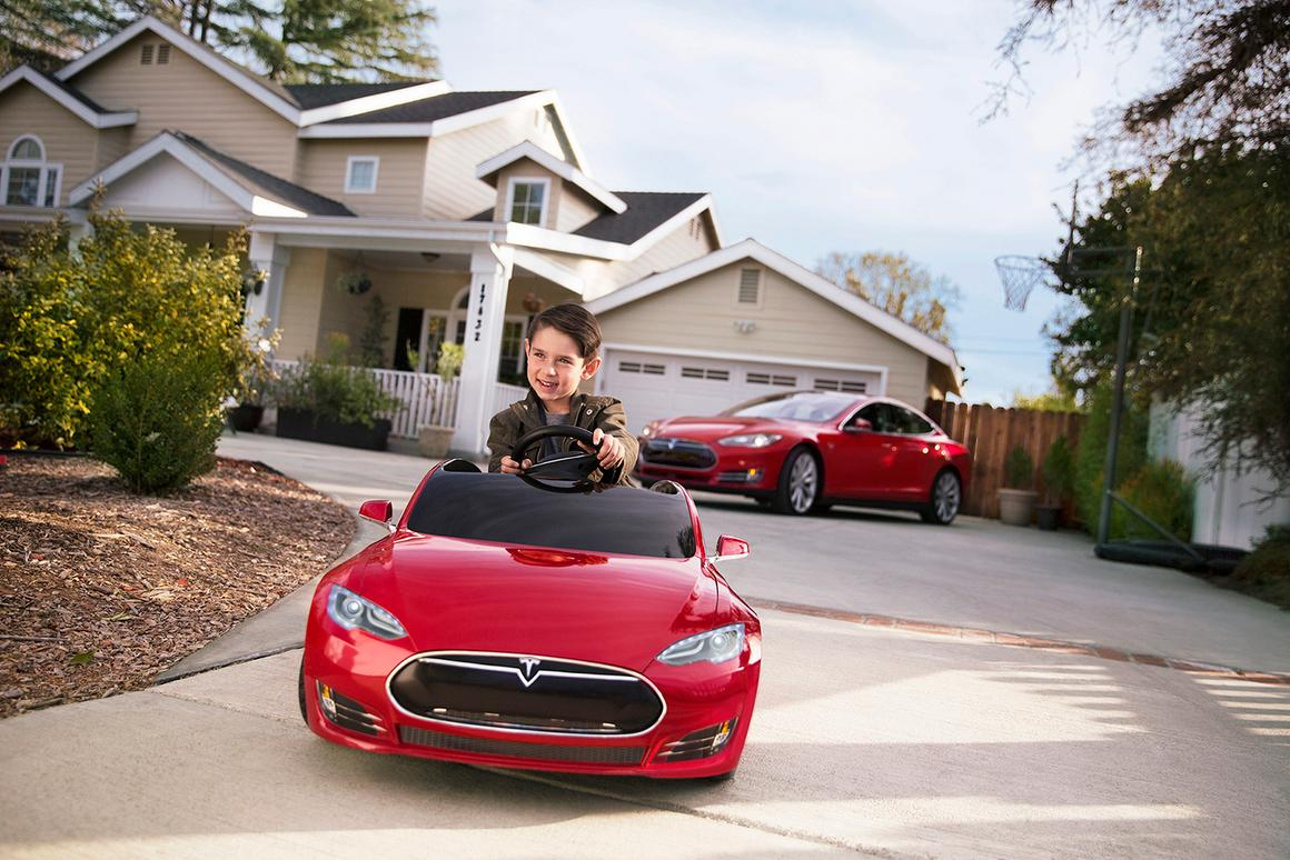 Youngsters are promised up to 6 miles of continuous driving fun per charge, and a top speed of 6 mph