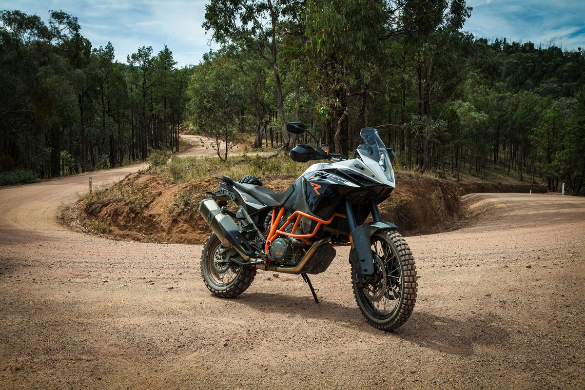 KTM Adventure 1190 R: a true, 148-horsepower, dirt road superbike (Photo: Gizmag/Loz Blain)