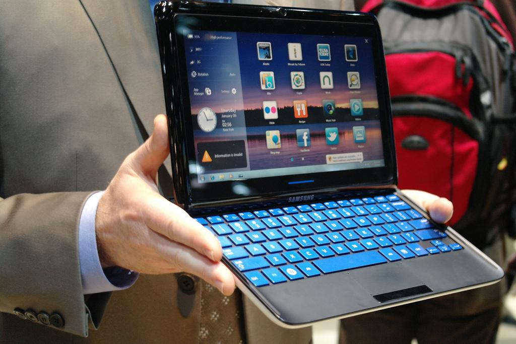 Samsung is set to release a new Windows 7 tablet computer with slide-out keyboard