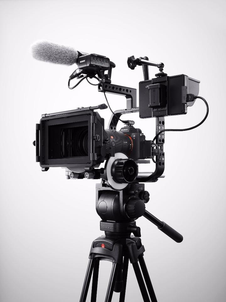 The α7R IIIis capable of capturing 4K footage, with Super 35 mode serving up even higher resolution, better dynamic range and low light performance