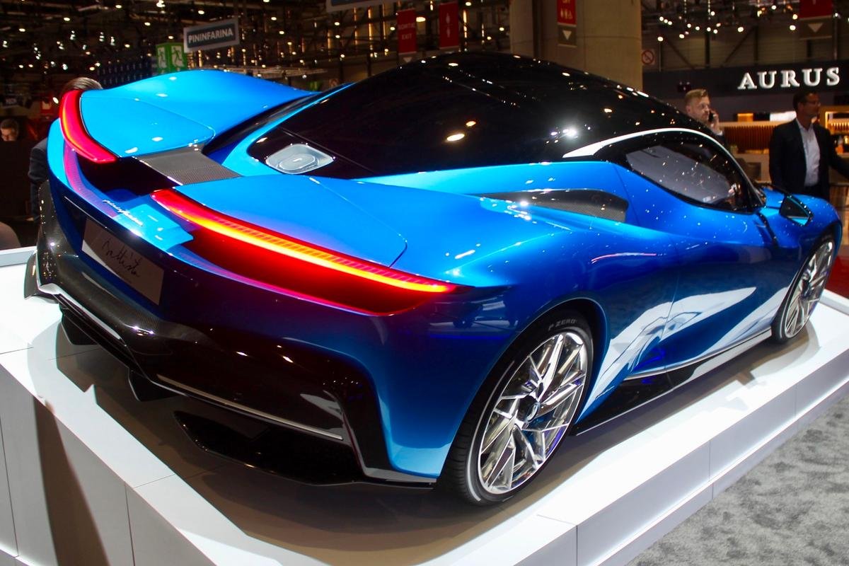 Pininfarina wasn't content showing just one Battista; instead, it brought three
