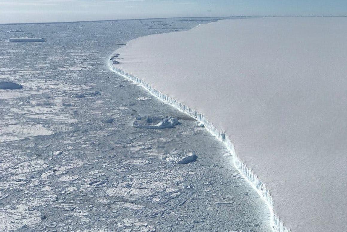 The western edge of Antarctic iceberg A68