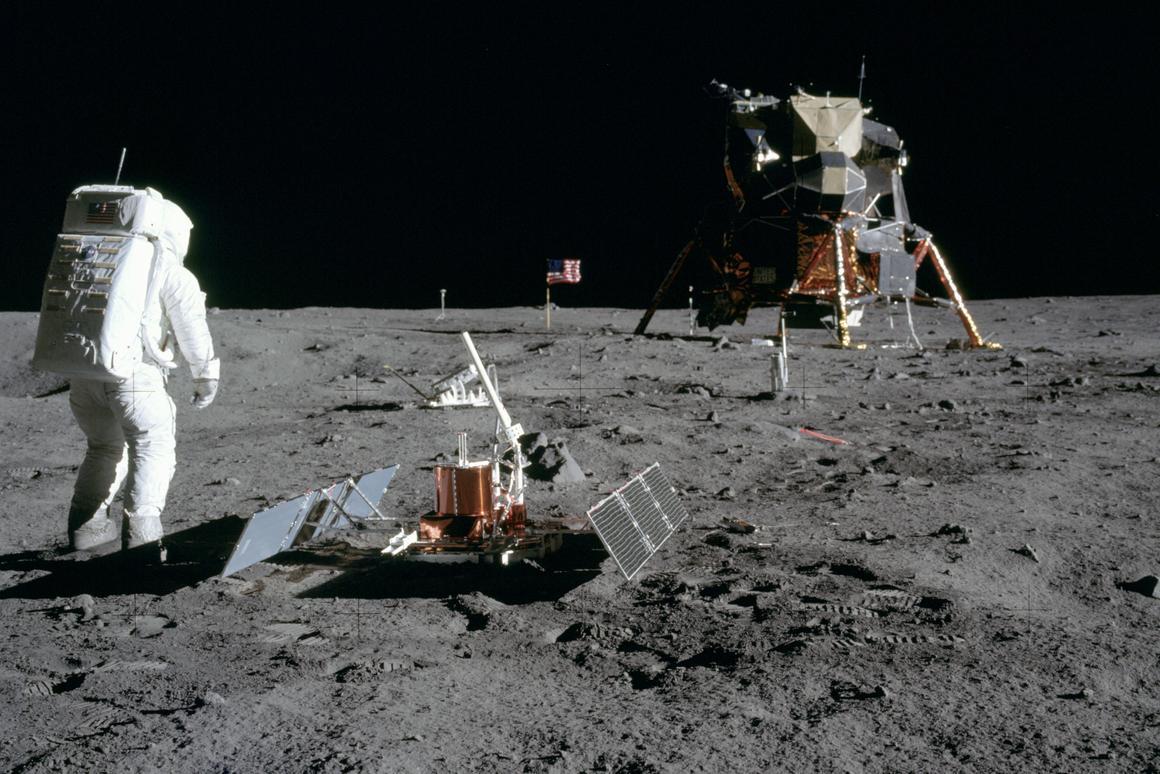 wholesale dealer 71829 79af0 NASA asks future explorers to respect historic landing sites