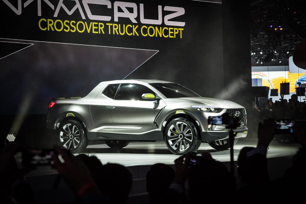 Hyundai's Santa Cruz Crossover Truck Concept unveiled at the North American International Motor Show (NAIAS) in Detroit (Photo: Loz Blain/Gizmag)