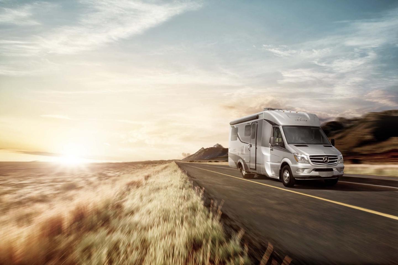 2016 Leisure Travel Vans Unity