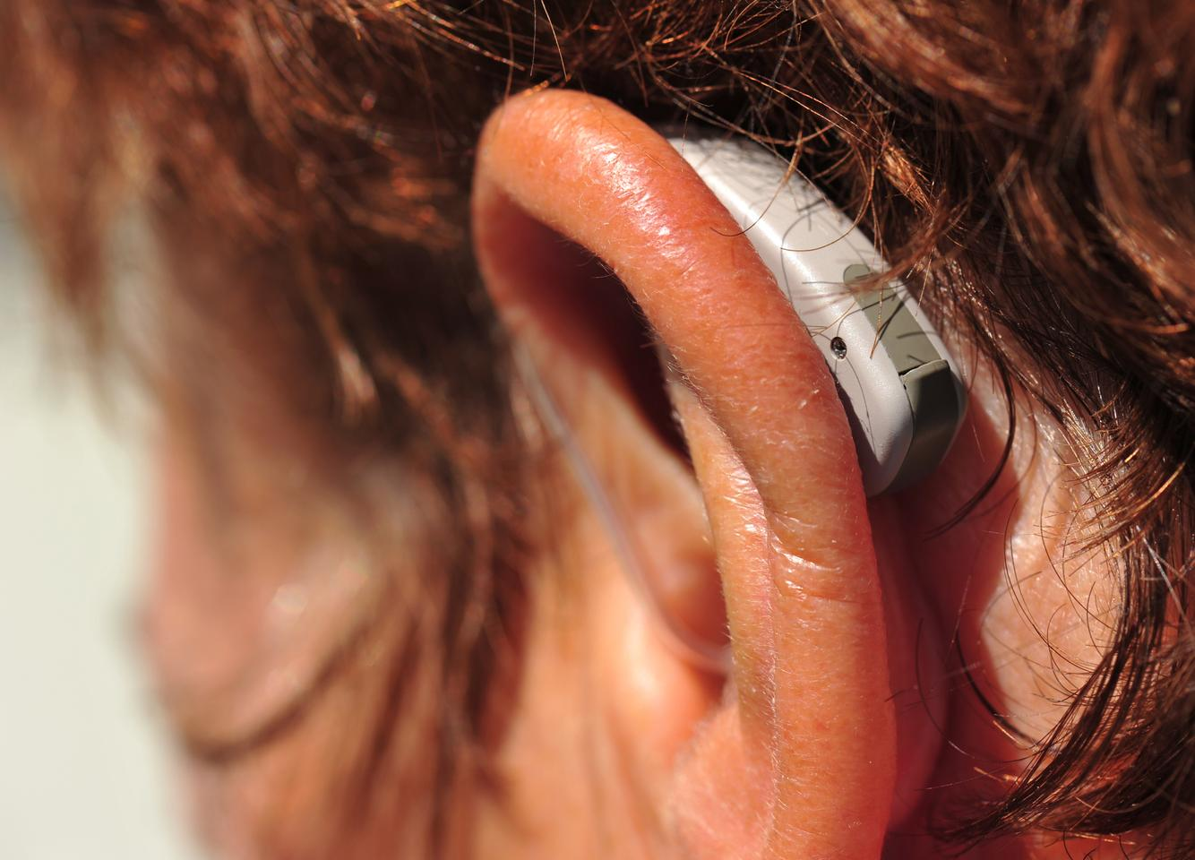 A new algorithm could help hearing aids separate speech from background noise (Photo: Shutterstock)