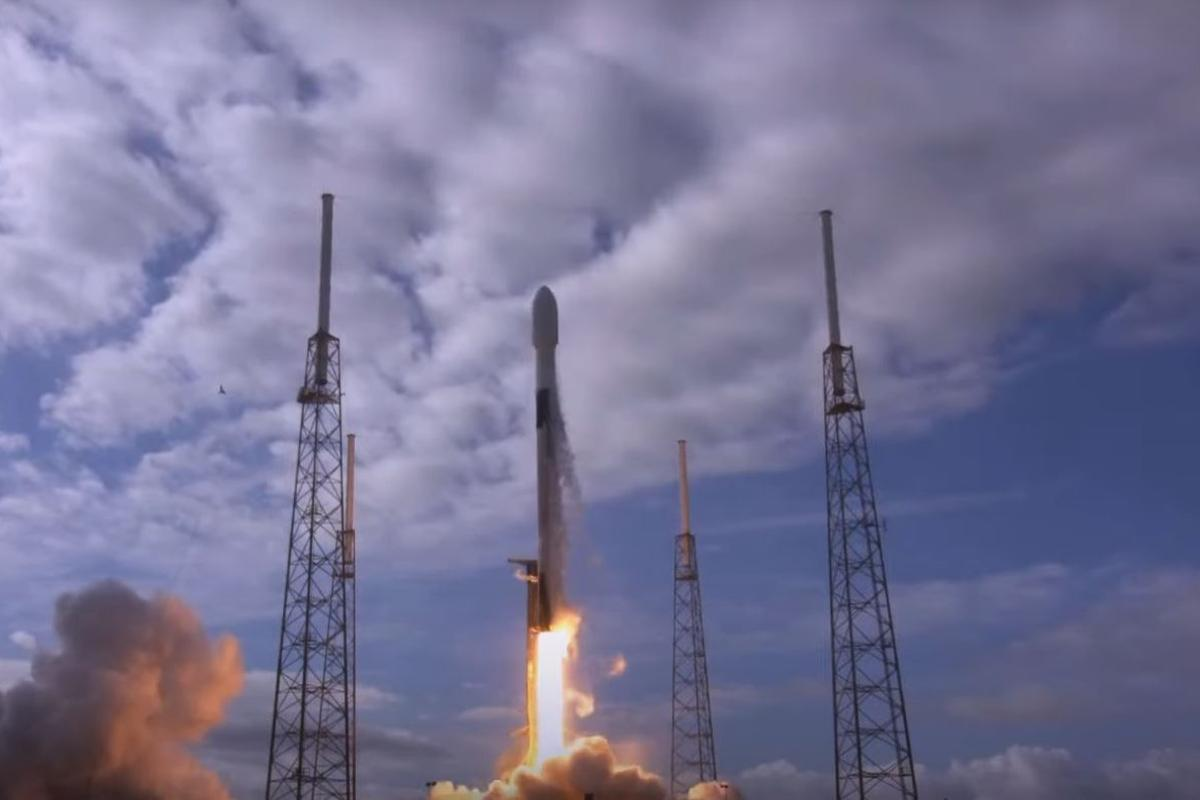 SpaceX puts record 143 satellites in orbit in one launch