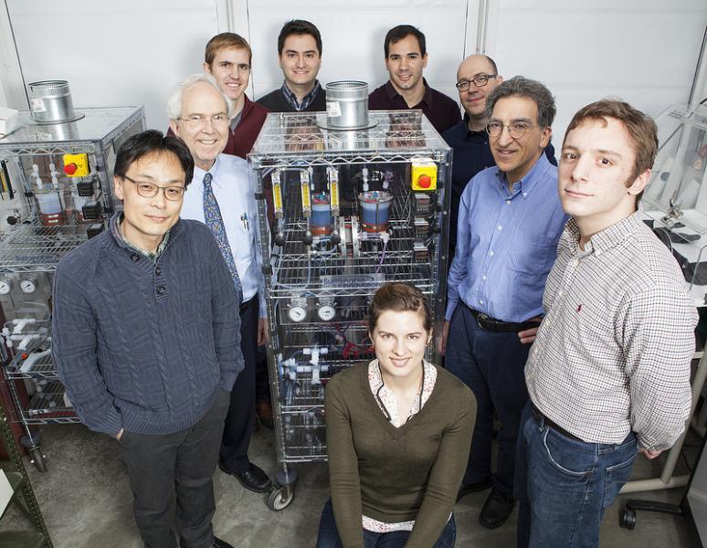 Clockwise from left: Dr Changwon Suh, Prof Roy G Gordon, Dr Brian Huskinson, Dr Suleyman Er, Dr Michael Marshak, Prof Alán Aspuru-Guzik, Prof Michael J Aziz, Michael Gerhardt, and Lauren Hartle