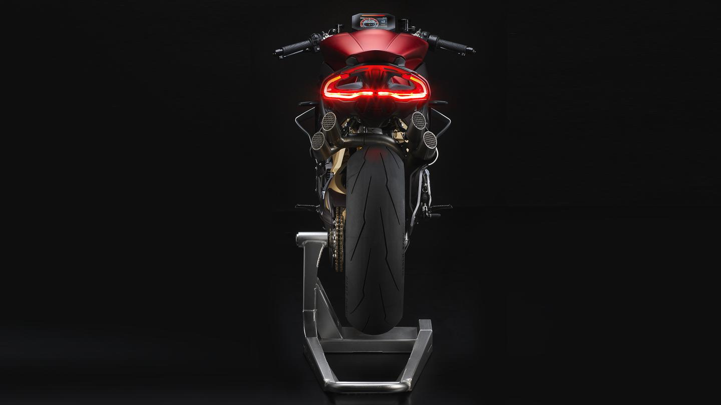MV Agusta Brutale 1000 Serie Oro: tail section with four menacing exhaust pipes