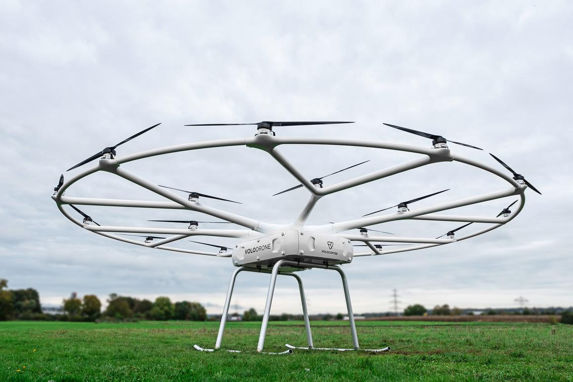 In all, the Volodrone has a total payload capacity of 440 lb (200 kg)
