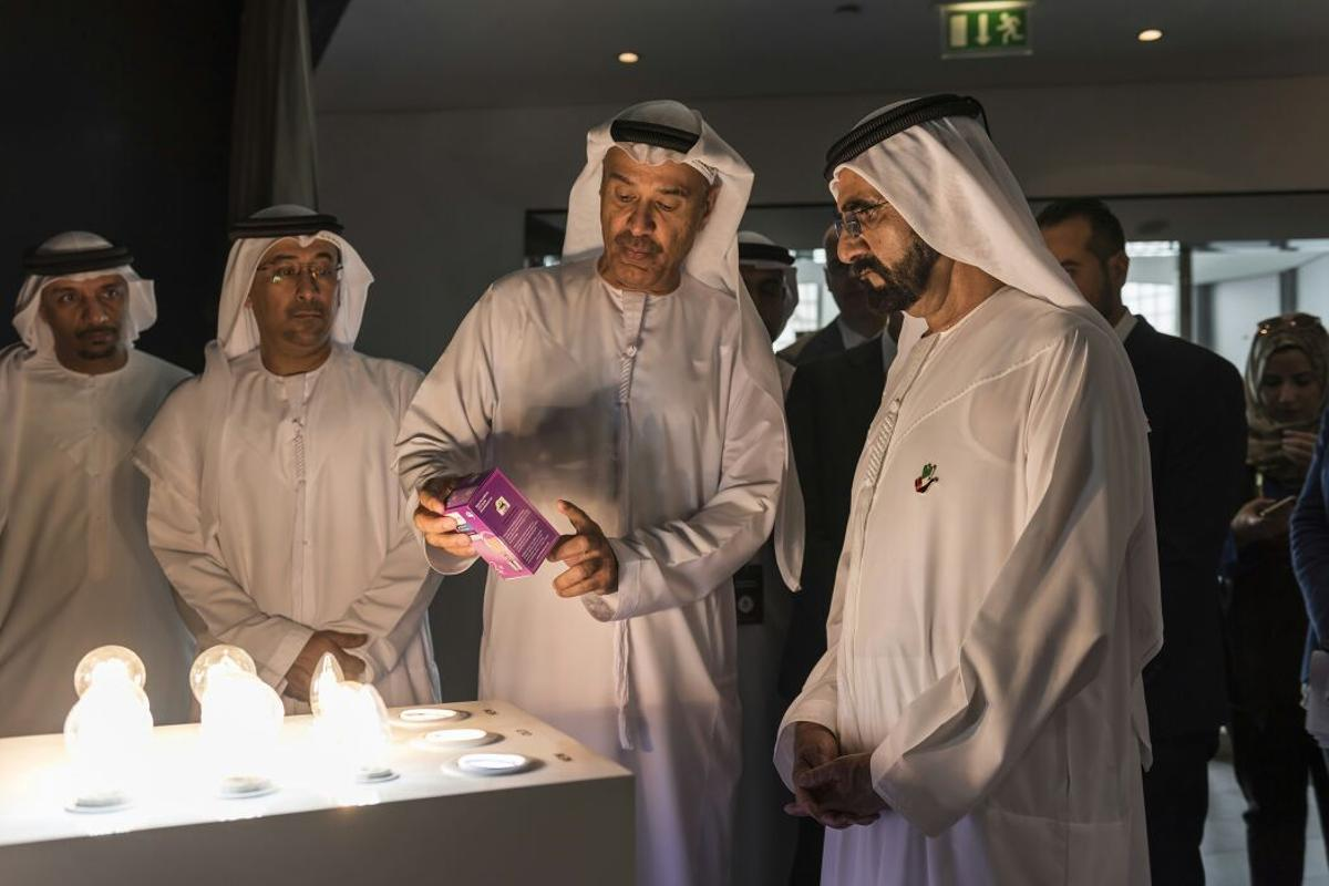 Sheikh Mohammed bin Rashid Al Maktoum (right), Prime Minister of the UAE and Ruler of Dubai and Hussain Nasser Lootah, DG of Dubai Municipality with the Philips Dubai Lamp