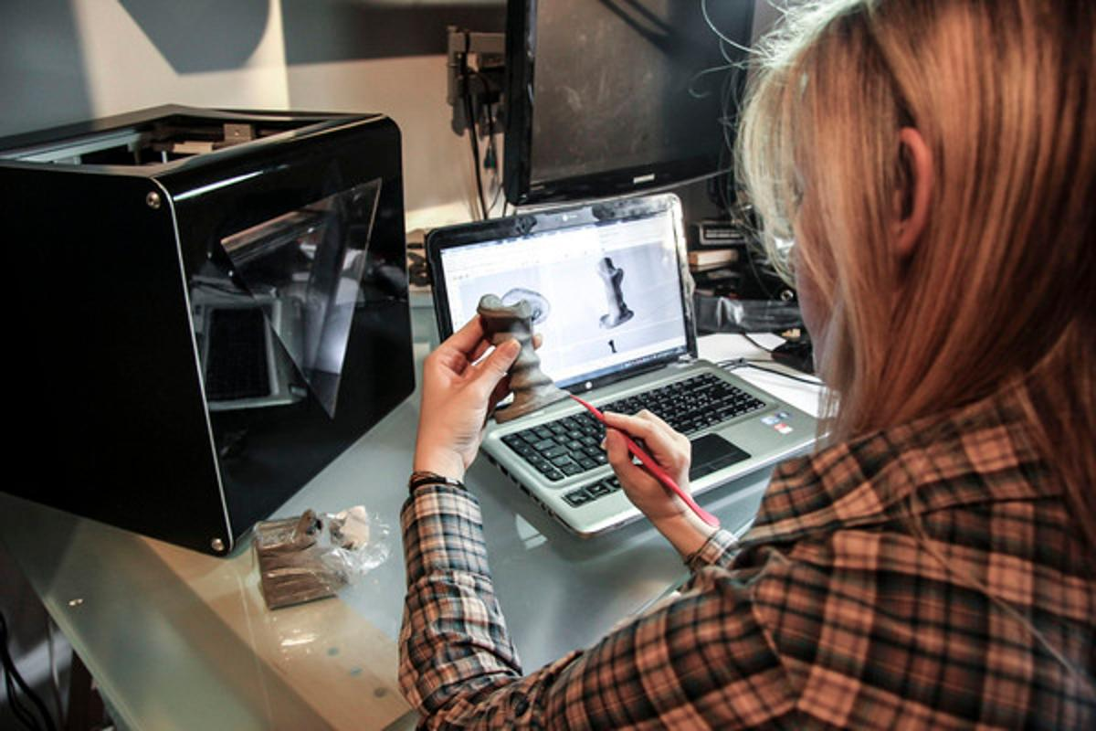 FABtotum is a combination 3D printer, scanner and milling machine