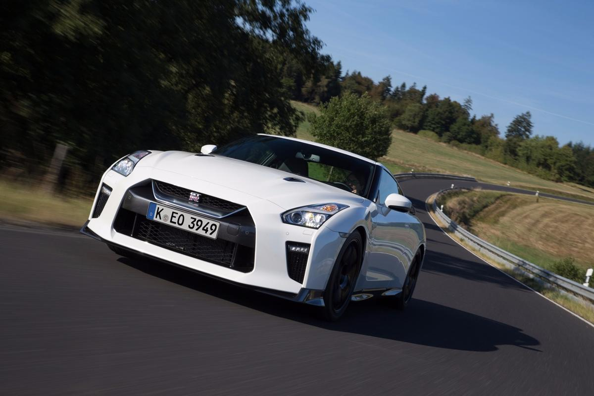 The Nissan GT-R Track Edition has the same hand-assembled 3.8-l twin-turbo V6 engine as the standard 2017 model