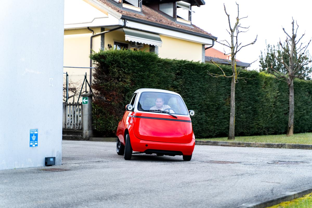 The design team reports much improved handling compared to the Microlino 1.0