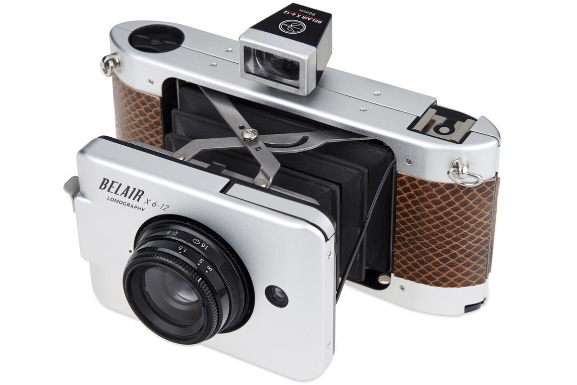 The Belair X 6-12 pairs 120 (medium format) film with interchangeable quality optics