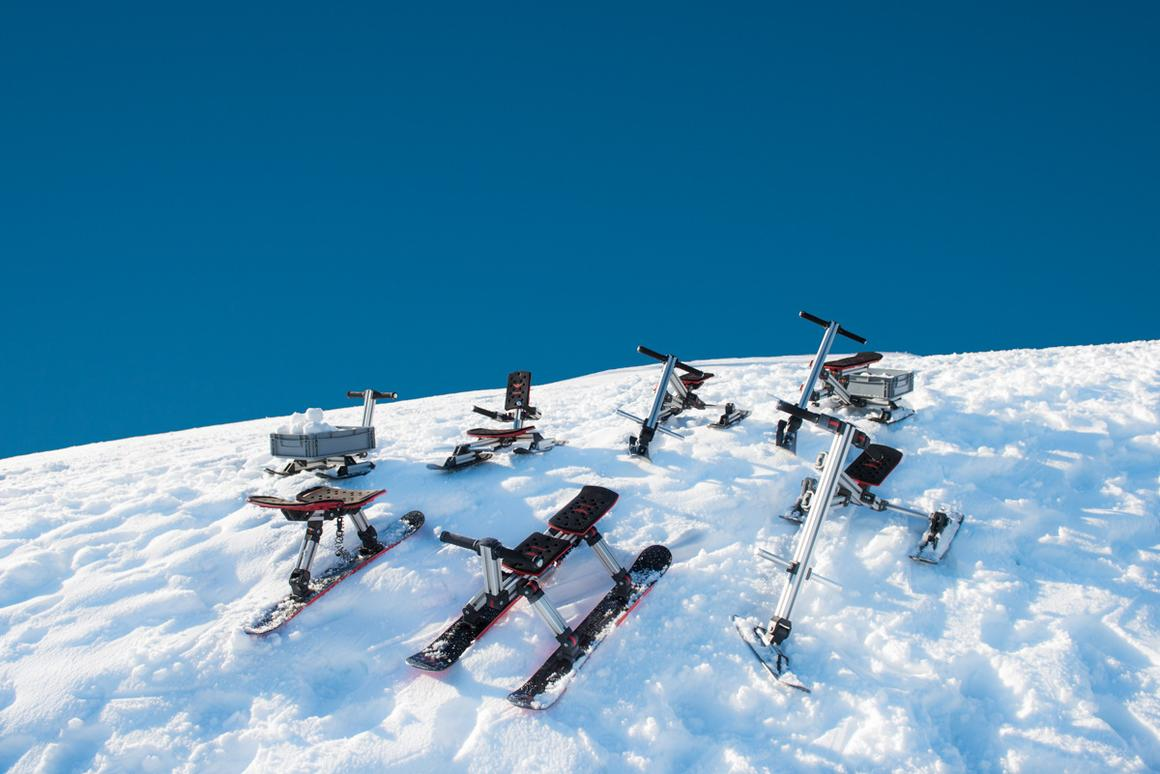The Big Snow Kit offers seven different configurations and allows for building two Skibocks at once, making it an 8-in-1 kit
